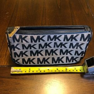 Gently used small cosmetic/travel bag